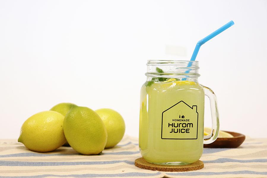 レモンの香りと旨みたっぷりのレモンスカッシュ