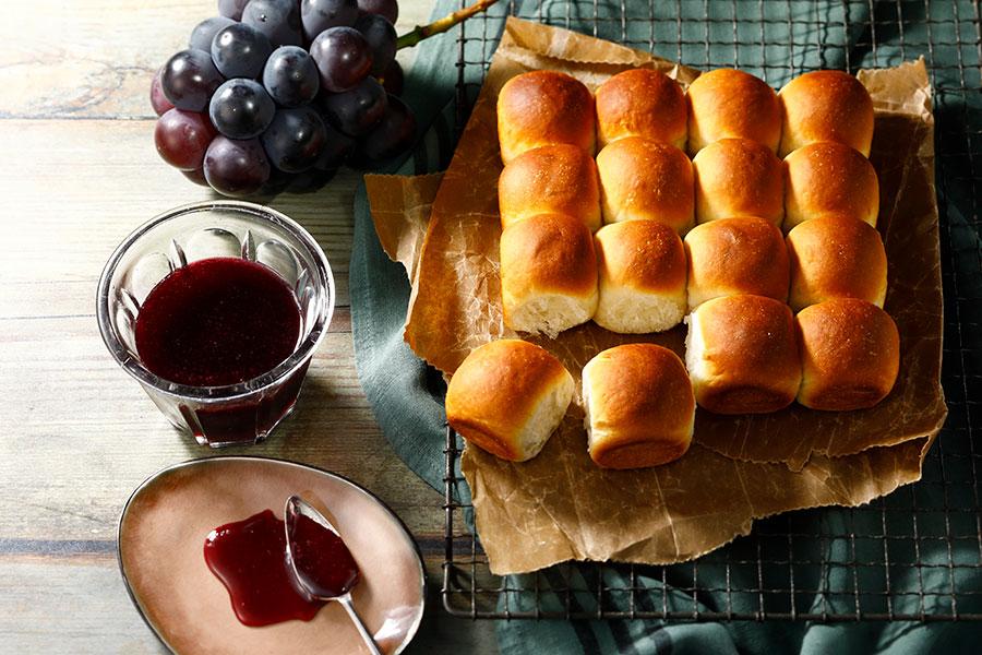 ぶどうジュースたっぷり使った♪ちぎりパン