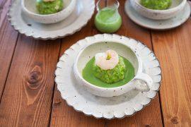 鮮やかグリーン♪小松菜と海老しんじょうの出汁クリーム添え