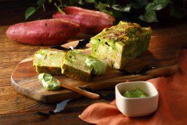 小松菜とさつまいもとスモークサーモンのケークサレ