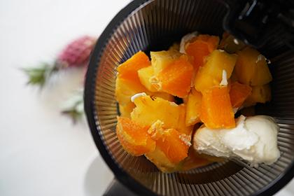 パインとオレンジのフローズンヨーグルト工程2