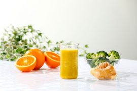 ブロッコリーとオレンジのおなか快調ジュース